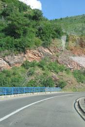 дорога от Тивата до Сутоморе занимает 1,5 часа